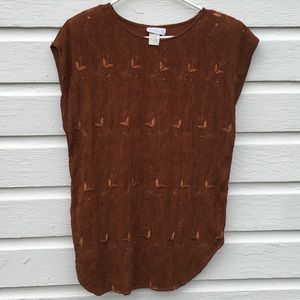 🌻 3/$25 Vintage embroidered rust colored top